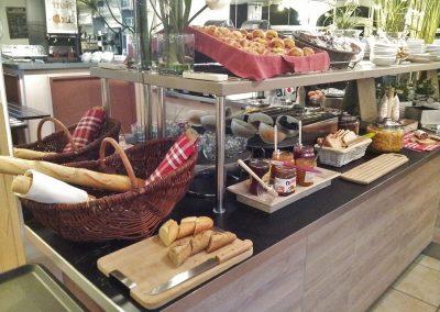 hotel-maussane-baux-de-provence-st-remy-buffet