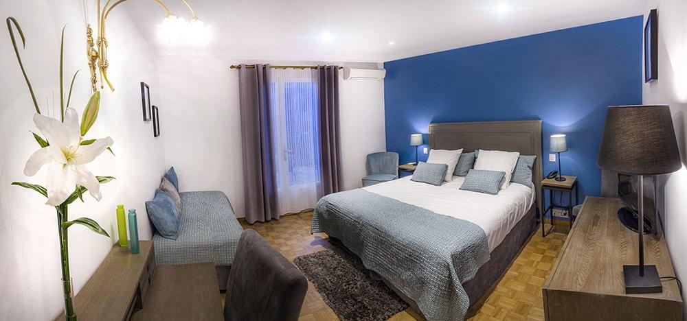 chambre-luxe-hotel-piscine-baux-de-provence