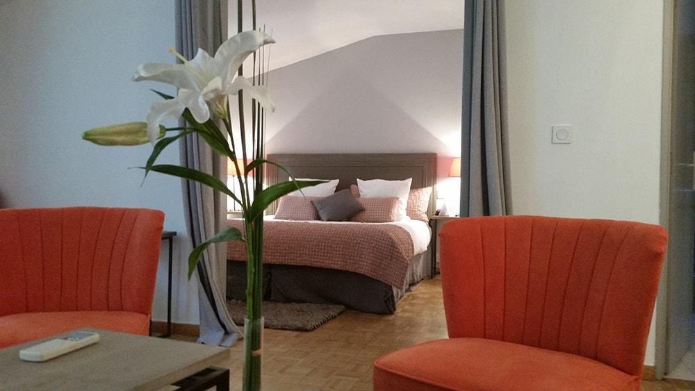 suite-hotel-maussane -piscine-baux-de-provence